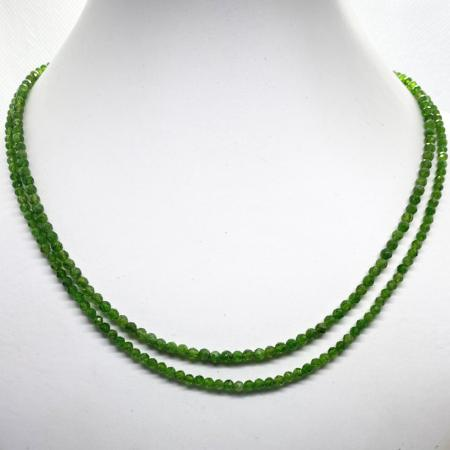 Collier diopside chrome double brins (perles facettées 3-4mm)