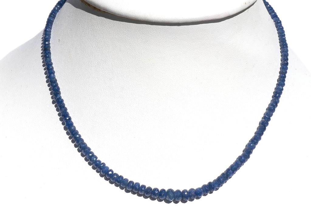 en présentant comment choisir top design Collier saphir bleu facetté qualité Extra de Madagascar - 46cm