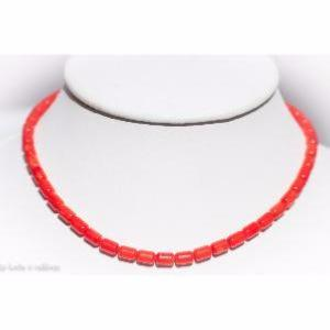 Collier corail rouge (tubes de 10mm x 5mm) - 45cm
